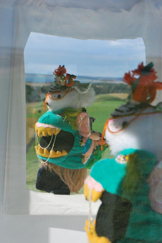 julie bach - totem teddy hat - sondrup kunsthal - 4